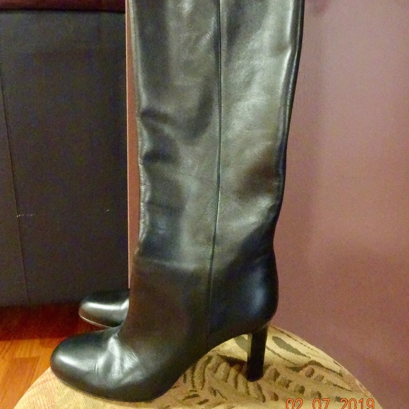 241140482d2 Gucci calf leather boots. NWT